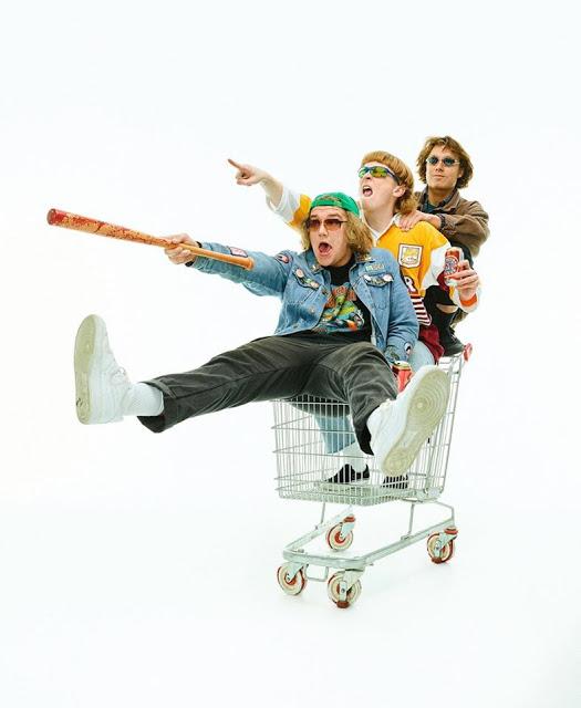 abfc68660a Music Reviews - RADIOLANTAU.COM